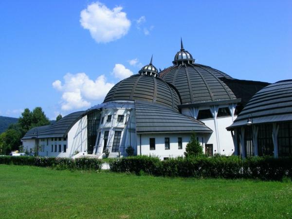 budapest sehenswürdigkeiten katholische universität Peter Pazmany