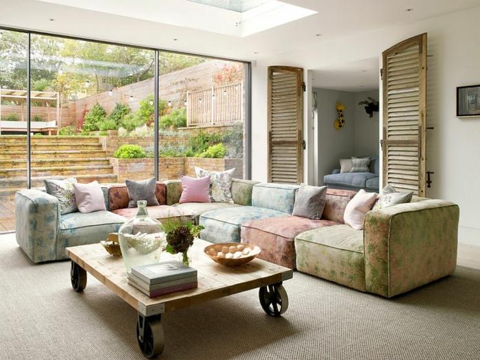 couch tisch auf rollen naturholz holzplatten