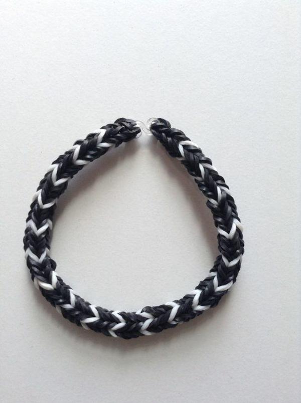 diy Gummi armbänder schwarz weiß mit armbänder flechten