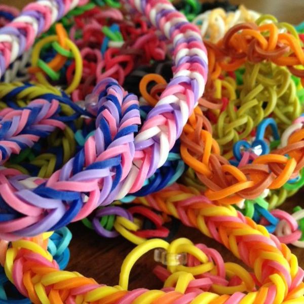 diy projekte Gummiarmbänder armbänder flechten