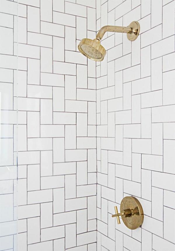 dusche renovieren badezimmerarmatur gold
