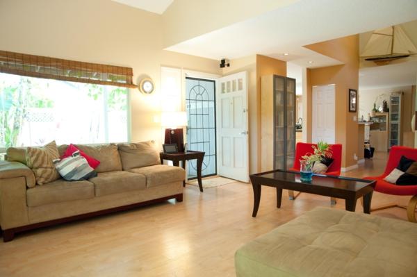 einrichtungsideen wohnzimmer sofa rote sessel
