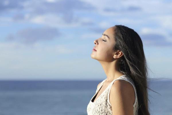 entspannungübungen bei stress frische luft einatmen