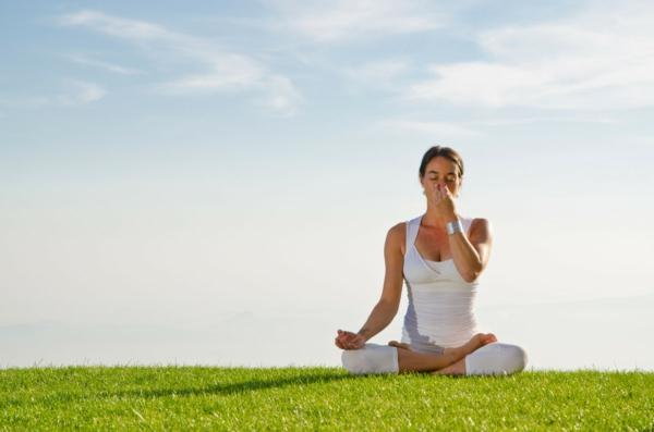 entspannungübungen bei stress joga atmen