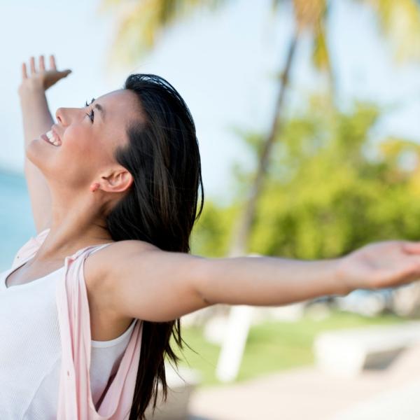 entspannungsübungen bei stress einatmen ausatmen sich strecken