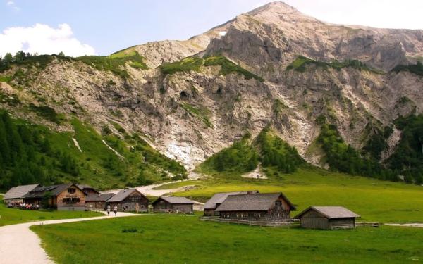 entspannungtechniken bei stress schöne landschaften gebirge häuser
