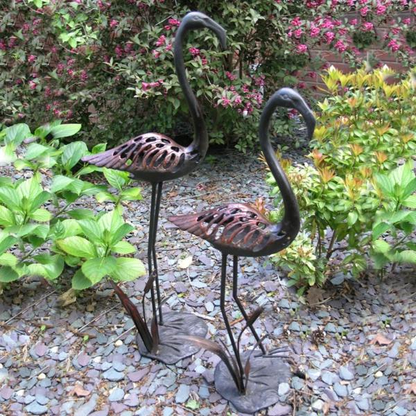 Gartenideen die den au enbereich frischer erscheinen lassen - Gartenskulpturen metall ...
