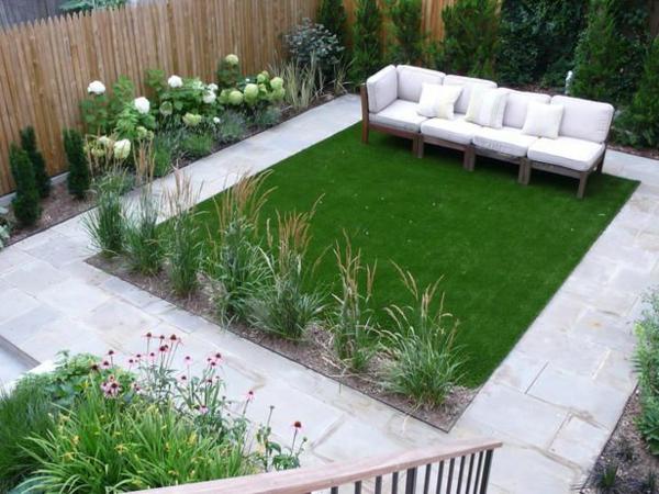 garten ideen gartenmöbel weiße sofas pflanzen