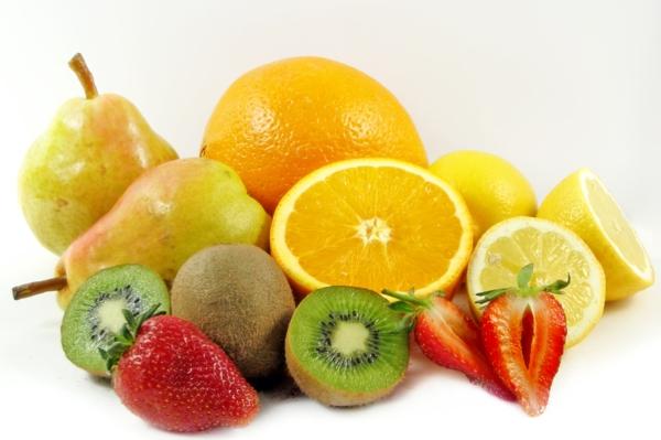 gesunde ernährung für kinder früchte essen