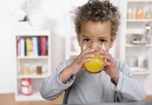 gesunde ernährung für kinder säfte trinken