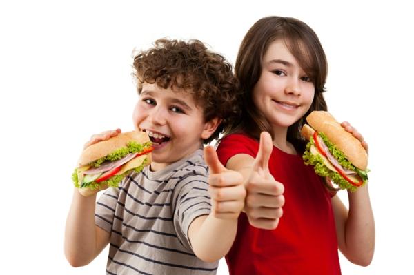 gesunde ernährung für kinder sandwiches essen