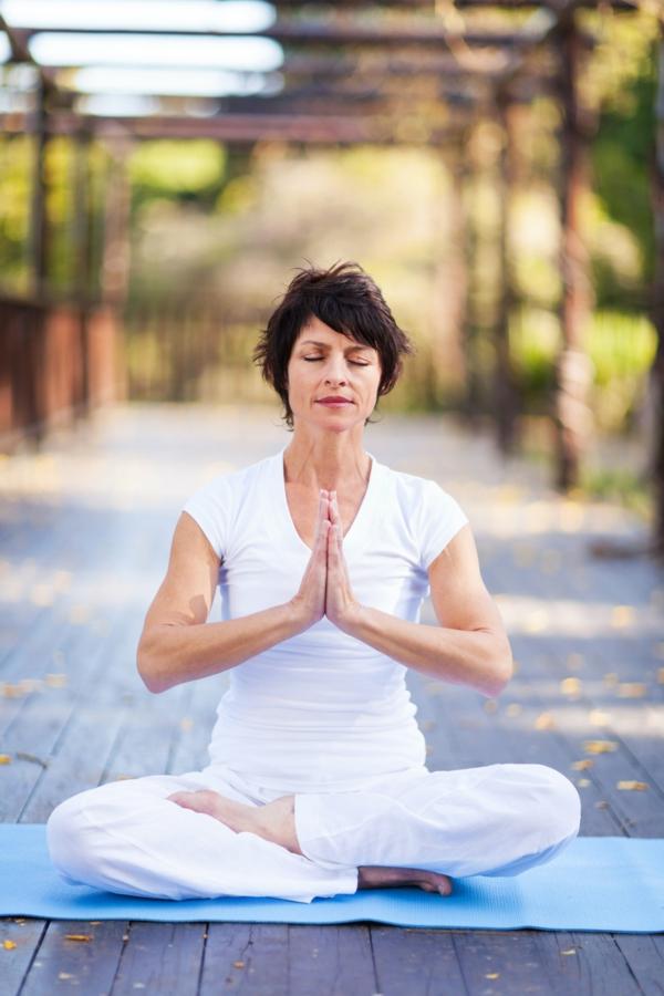 damen über 40 joga gesunder körper