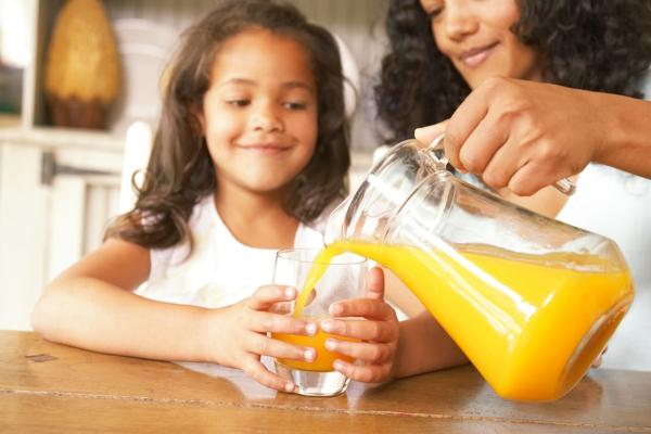 gesunder körper kinder ernähren saft