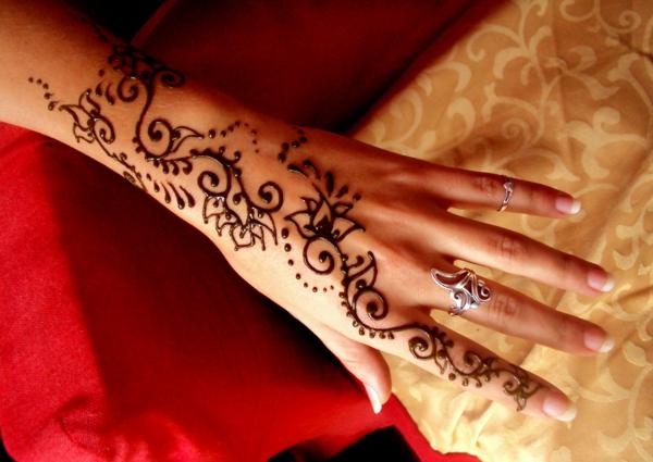 henna muster hand dekoration traditionell indisch