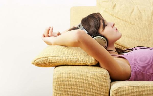 horoskop zwilling entspannung sofa musik hören
