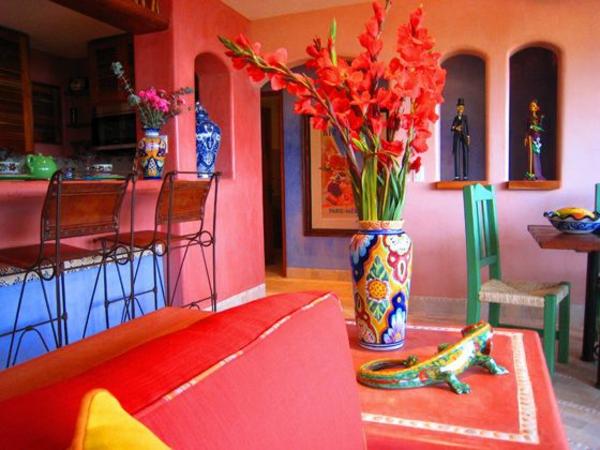 innendesign mexikanische deko einrichtungsideen wandfarbe rot