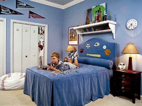 jungenzimmer gestalten schönes bettkopfteil blaue wandfarbe wanduhr