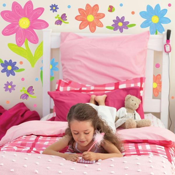 kinderzimmer gestalten mädchenzimmer einrichten wandgestaltung blumen