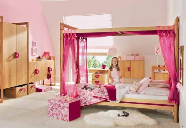 kinderzimmergestaltung mädchenzimmer dekorieren rosanuancen himmelbett