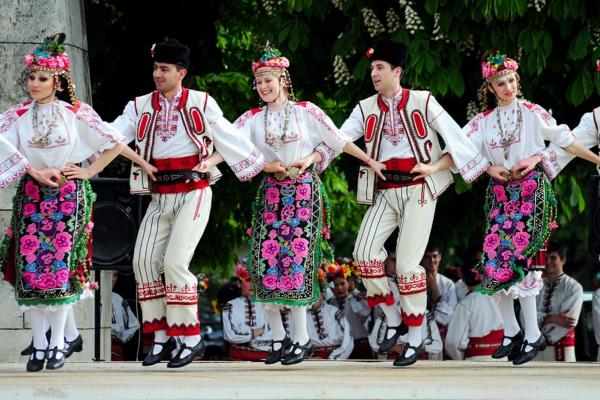 last minute bulgarien folklortänze kostüme trachten