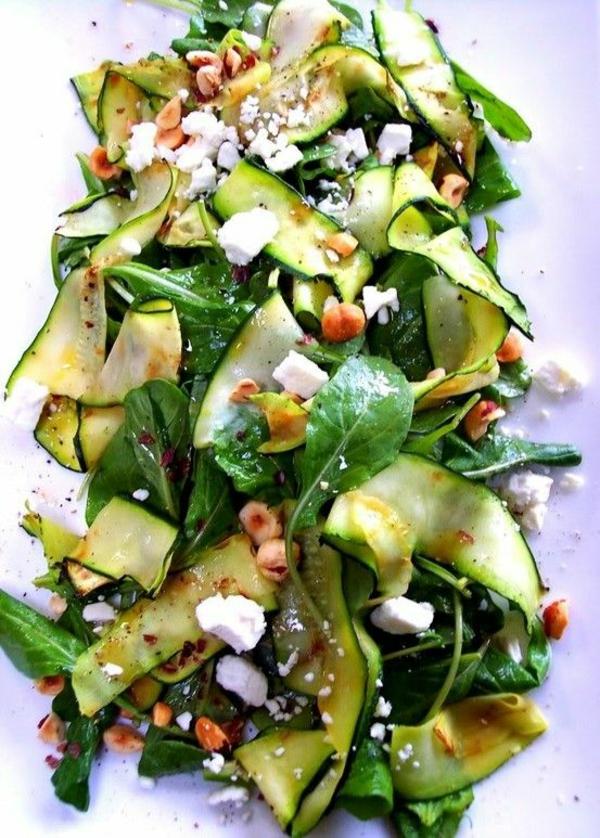leichtes essen im sommer salate gesundes leben