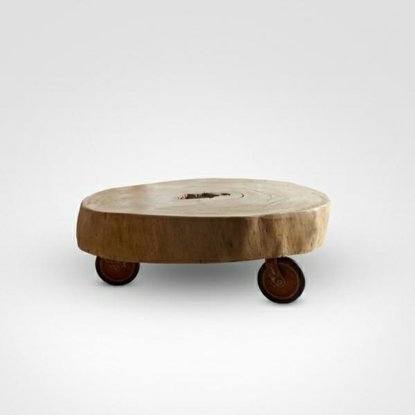 baumstamm tisch der eyecatcher im rustikalen wohnzimmer. Black Bedroom Furniture Sets. Home Design Ideas
