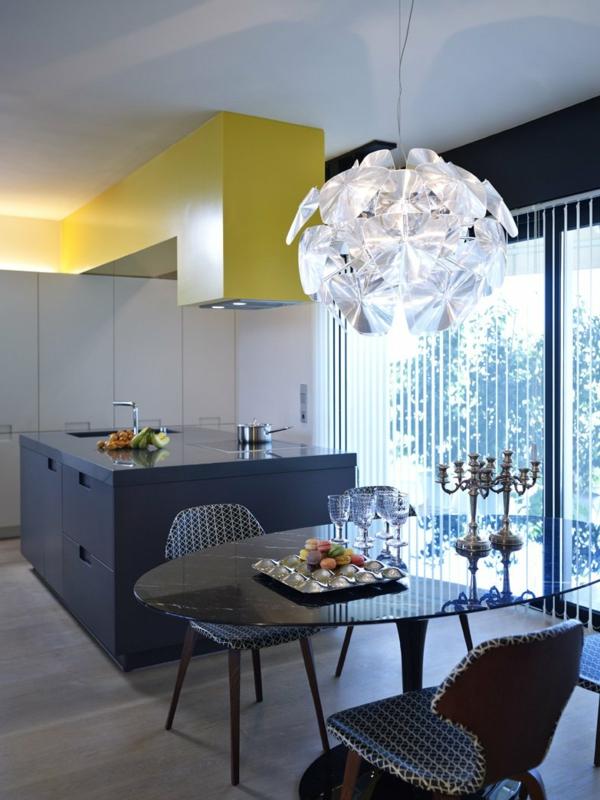 moderne küchen graue kücheninsel ovaler esstisch