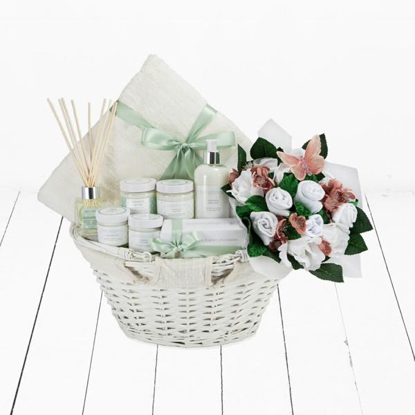 muttertagsgeschenke kosmetik geschenkkorb blumen