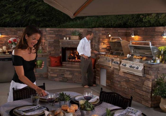 outdoor küche eingebaute elektrogeräte zusammen kochen