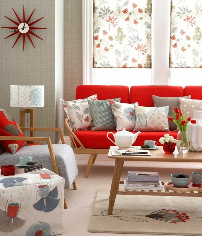 how to decorate with grey couch rotes sofa ins innendesign einbeziehen inspirierende cozy. Black Bedroom Furniture Sets. Home Design Ideas