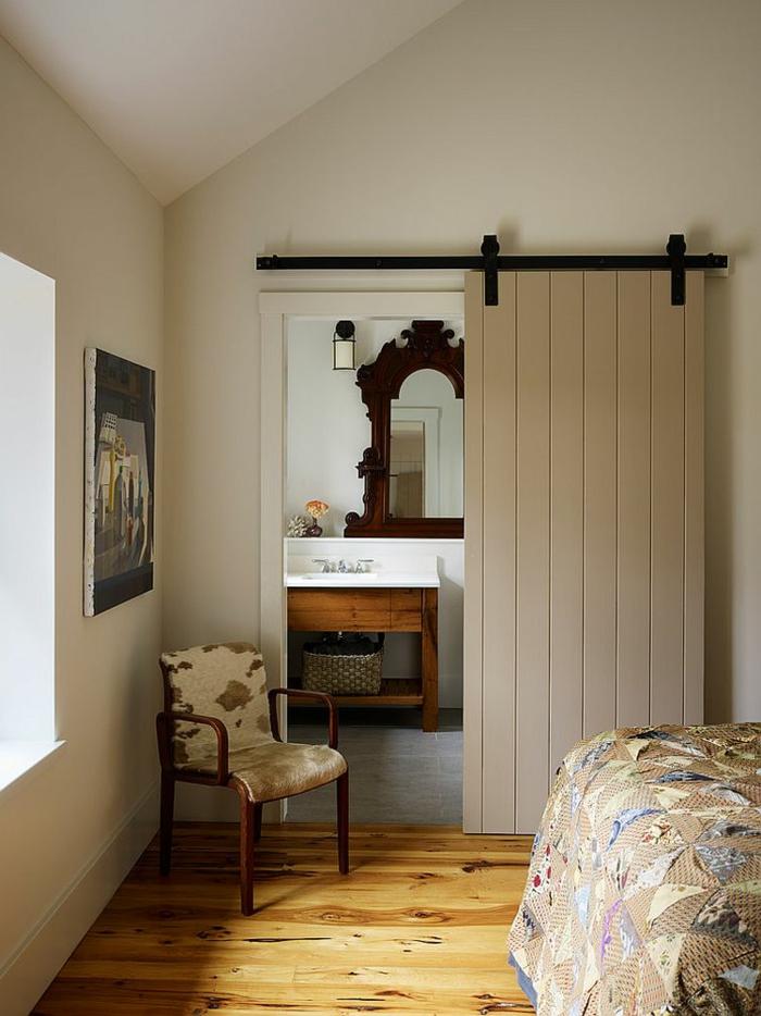 Schiebetüren Wohnzimmer praktische schiebetüren für ein rustikales flair