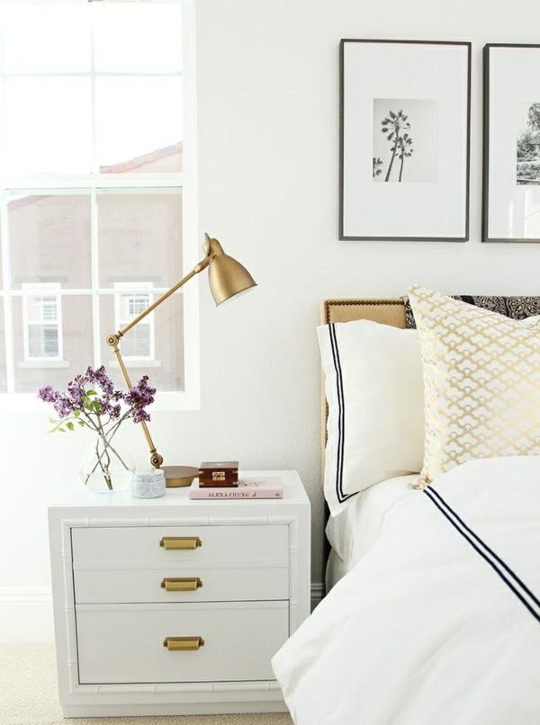 schlafzimmer einrichten schicker nachttisch weiß goldakzente
