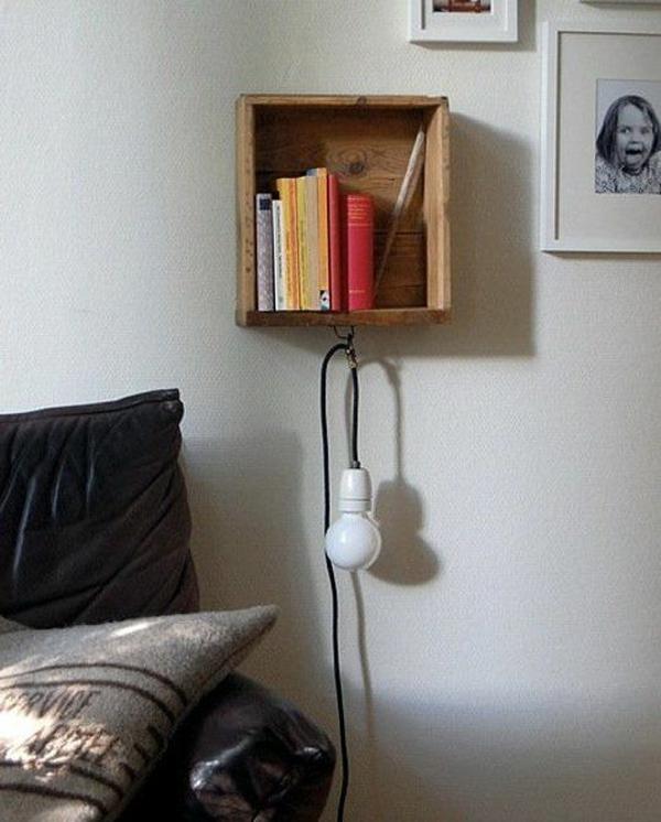 schlafzimmer möbel bett nachttisch holzregal lampe