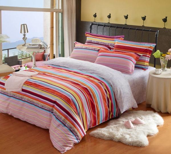 Schlafzimmer Set Farbige Bettwäsche Schöne Wohnideen
