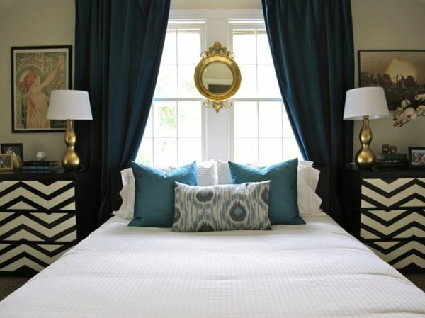 symmetrie schlafzimmer nachttische chevron muster