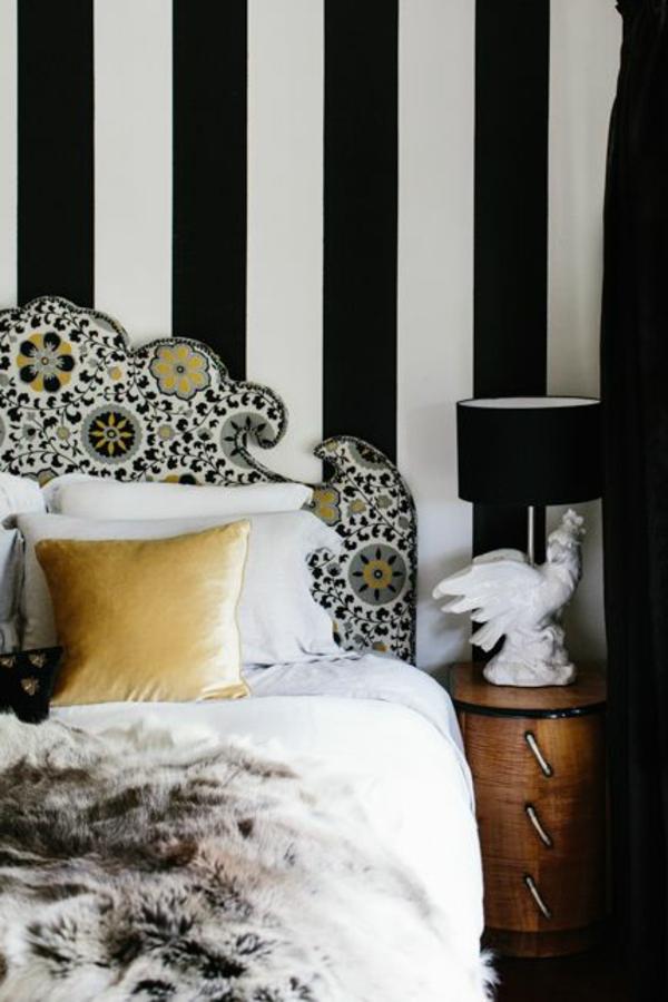 tapetenmuster streifen weiß schwarz tolles bettkopfteil