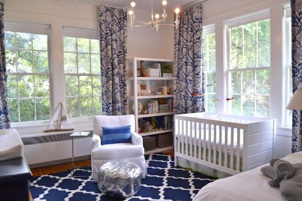 teppich babyzimmer elegantes muster lange gardinen