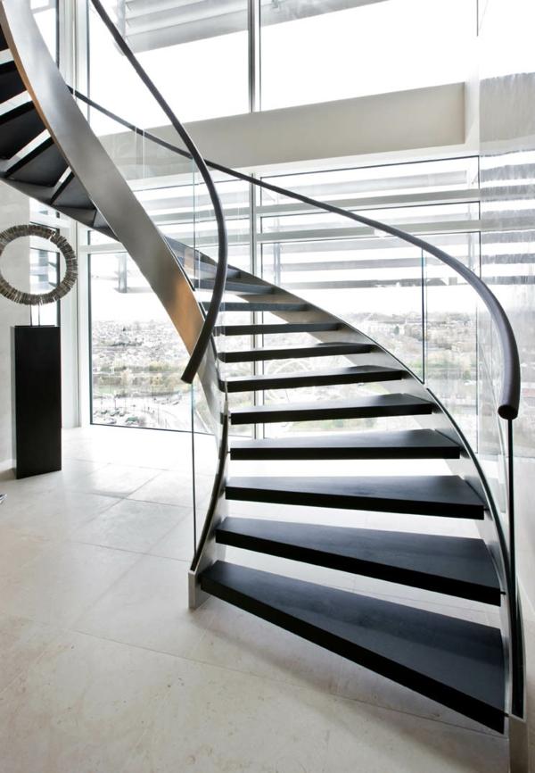 treppenhaus gestalten gewölbt design gläsernes geländer