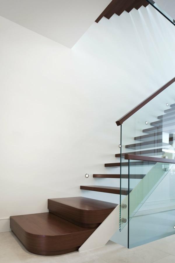 treppenhaus ideen holz glas geländer beleuchtet