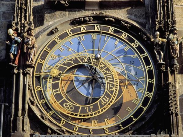 tschechien reisen urlaub in prag altstadt sehenswürdigkeiten astronomische uhr