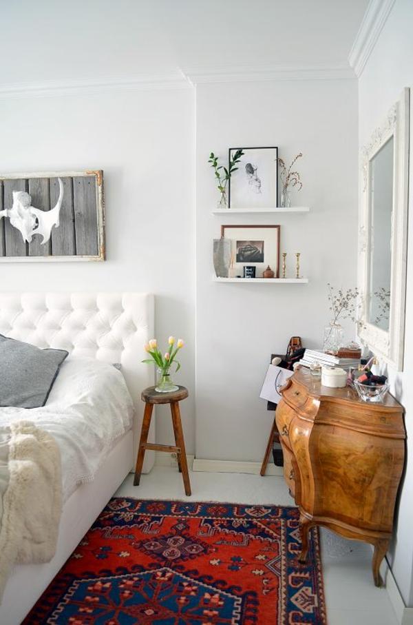 vintage schlafzimmer farbiger teppich schöne wanddeko