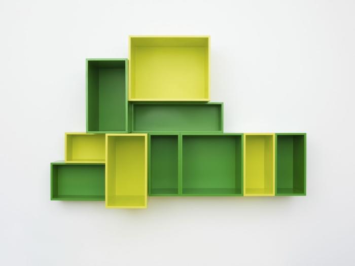 zimmer streichen ideen offene regale gelb grün