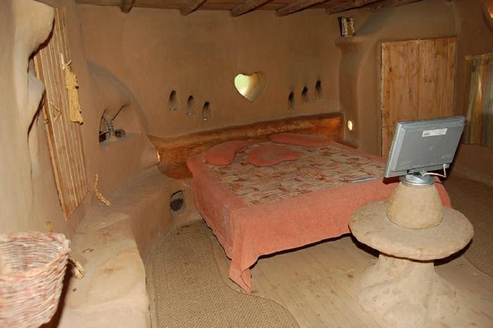 ökologisch bauen lehmhaus interieur schlafzimmer