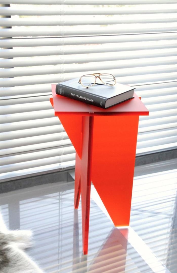 Designer Einrichtung  dreibeiniger Tisch