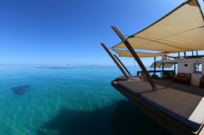 Fidschi Inseln Urlaub cloud 9 bar im ozean