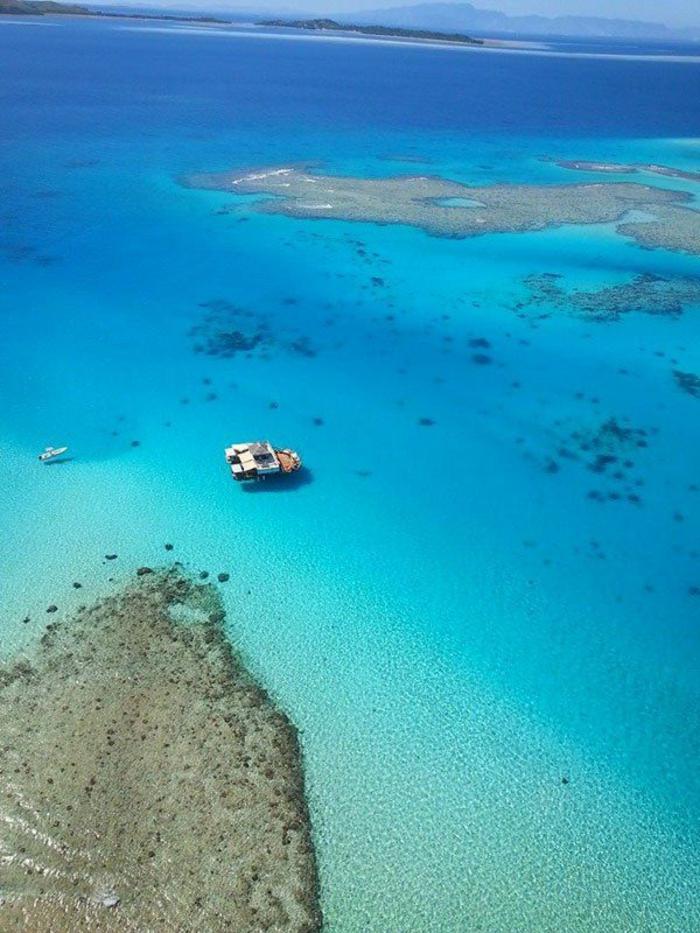 Fidschi Inseln Urlaub cloud 9 bar mitten im ozean