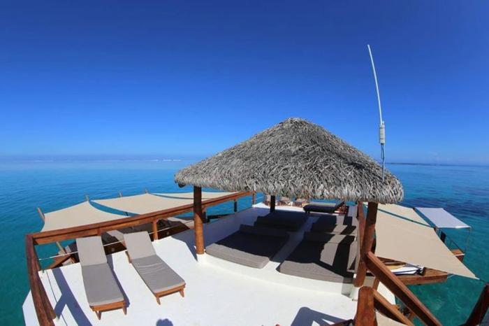 Fidschi Inseln Urlaub cloud 9 lounge möbel