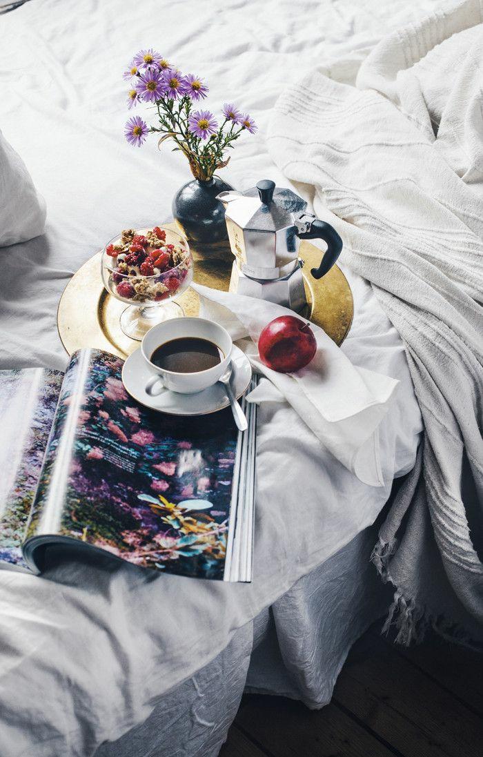 Guten Morgen Kaffee frühstück bed