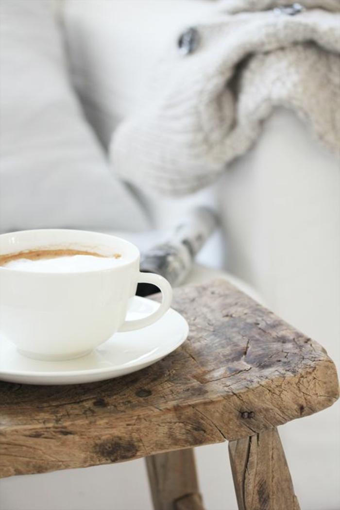 Guten Morgen Kaffee hölzerner hocker