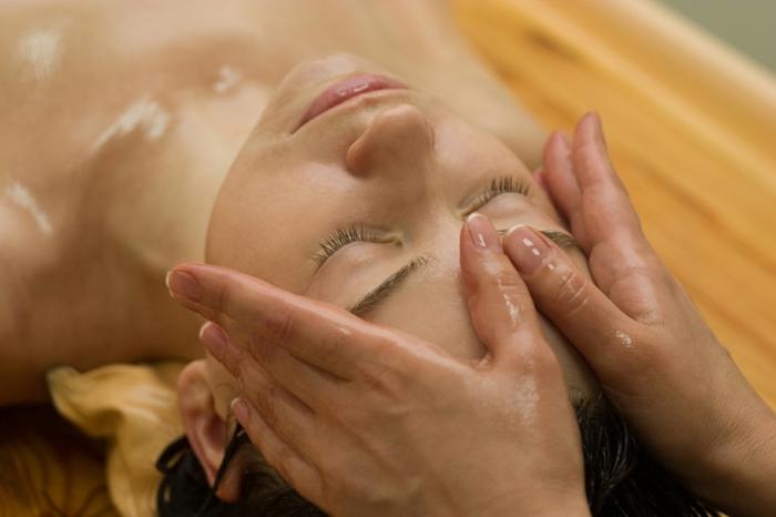 Jojobaöl Haare Hautpflege Massage Gesicht Schönheitstipps
